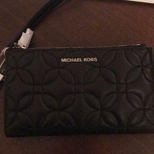 Michael kors black leather wristlet